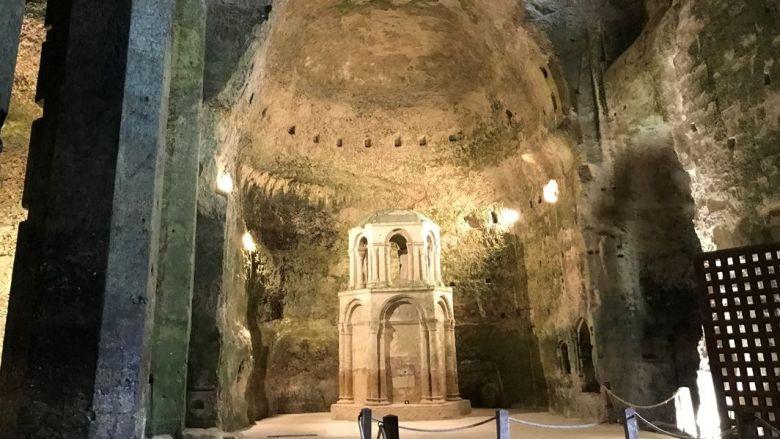 Le choeur de l'église monolithe d'Aubeterre-sur-Dronne est la plus vaste d'Europe. / © Jérôme Deboeuf - France Télévisions